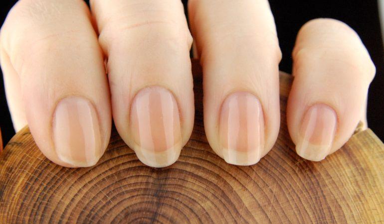 Schöne und gepflegte Nagelhäutchen – Kosmetikprodukte für Nägel von Sally Hansen