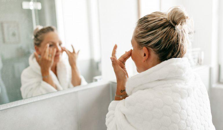 Pflege der unreinen Haut – Methoden gegen Narben und Verfärbungen