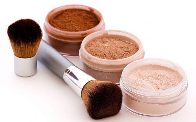 Mineralische Kosmetik zum Make-up – sind sie wirksam? Eigenschaften und Inhaltsstoffe